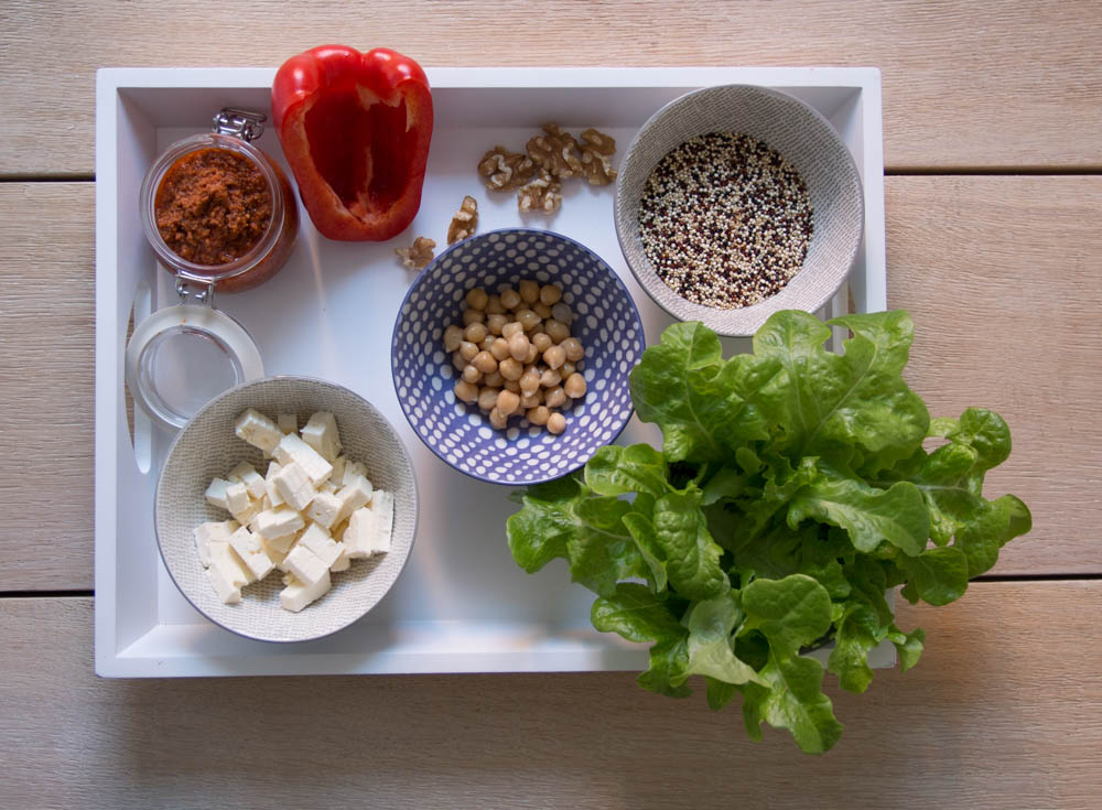 Zutaten bunter Quinoa Salat.