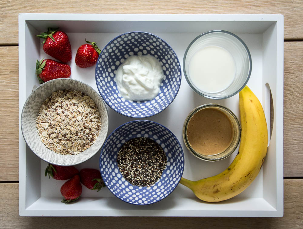 Zutaten für Chia Quinoa Porridge mit Erdnussbutter