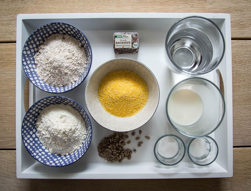 Zutaten für die Polenta Brötchen