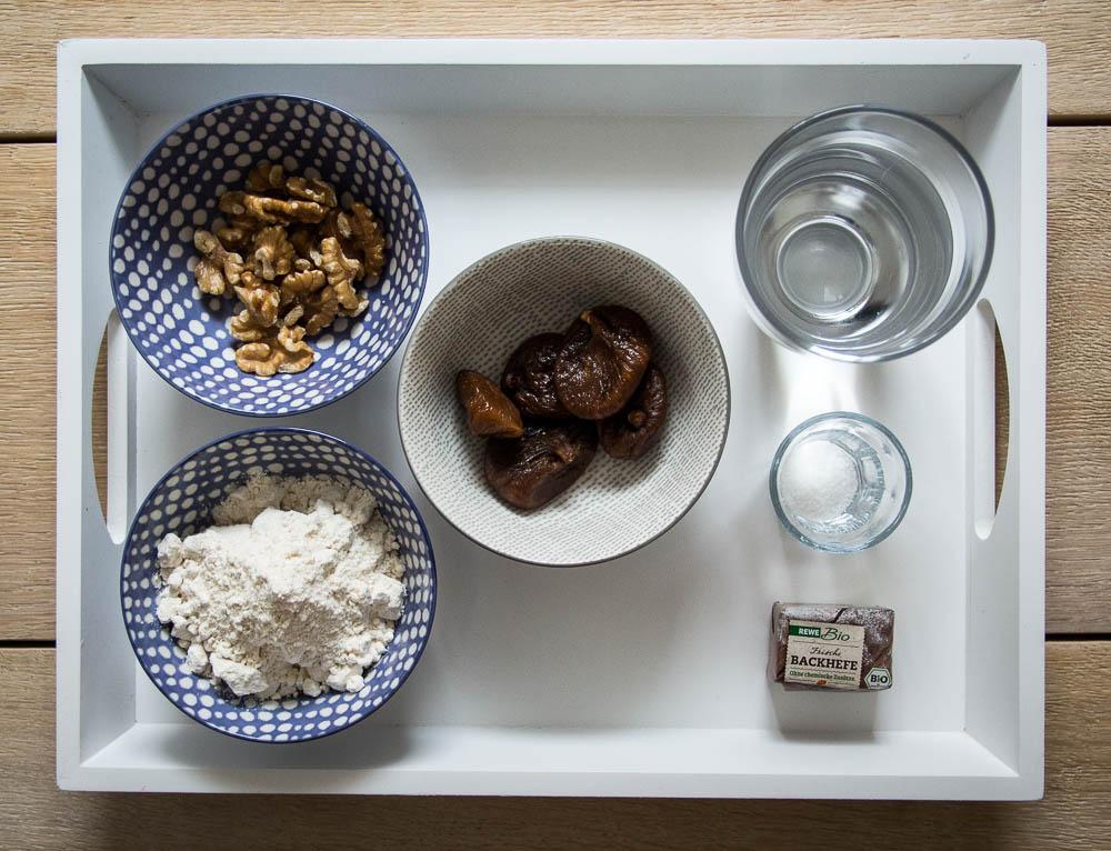 Zutaten für die Feigen-Walnuss-Brötchen