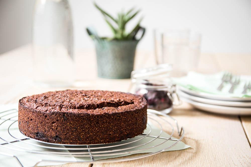 Schoko Polenta Kuchen mit Blaubeeren - Fodmap geeignet