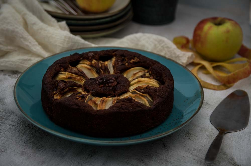 Versunkener Apfelkuchen mit Kakao