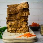 Basisches Dinkelvollkorn Buchweizen Brot mit Karotte