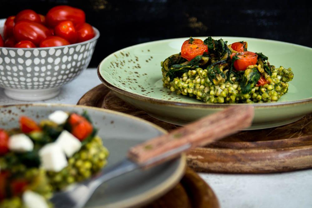 Leckere Gemüse Pfanne mit Pesto